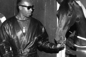 MC-Hammer-and-his-Kentucky-Oaks-winner-Lite-Light-1466051809_1352x900